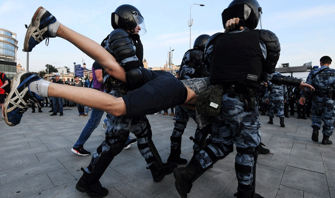 اللاعنف العالمية تدعو السلطات الروسية للإفراج عن المحتجين