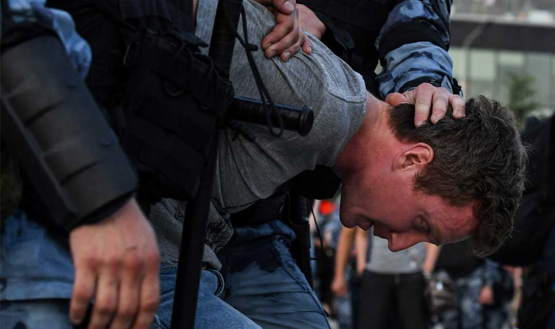 اللاعنف العالمية تدعو السلطات الروسية لوقف القمع
