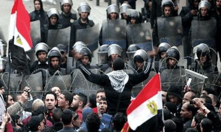 سازمان جهانی نفی خشونت: دولت مصر بازداشت معترضان مسالمت جو را متوقف کند